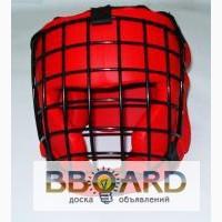 Шлем для единоборств с металлической решеткой