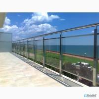 Стеклянные ограждения на балконы и террасу