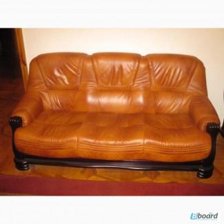 Диван кожаный и 2 кресла