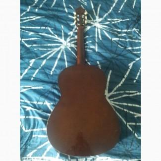Продам аккустическую гитару