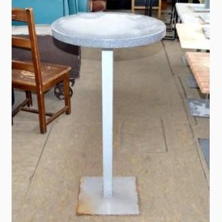 Продам стол барный б/у серого цвета (столешница искусственный камень, нога металл)