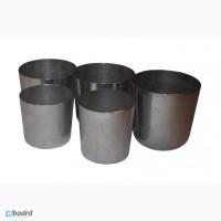 Алюминиевые стаканы разных размеров .