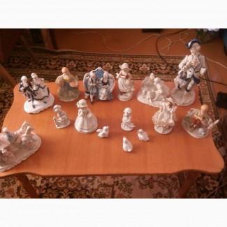 Коллекция из фарфоровых статуэток