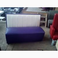 Диван б/у мягкий фиолетовый для кофейни