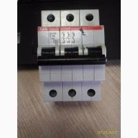 Автоматический выключатель ABB SH203-C40 3P