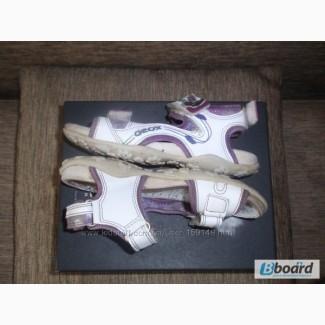 Босоножки GEOX на девочку 28 р. маломерят 17 см