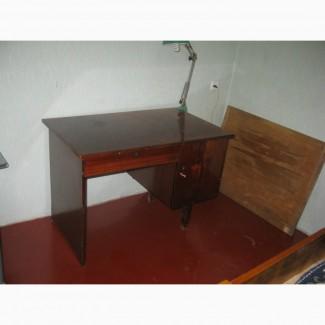 Продам б/у письменный стол