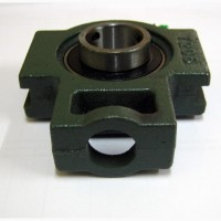 UCT207 Подшипник в корпусе под вал 35 мм