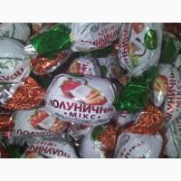 Клубника в шоколаде. Шоколадные конфеты в ассортименте от производителя.Упаковка 1 кг