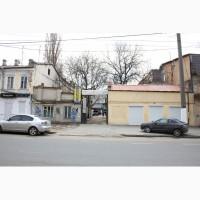 Продает СОБСТВЕННИК в центре города участок 10 соток с постройками.Возможна ЗАСТРОЙКА