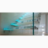 Стеклянная лестница Schüco