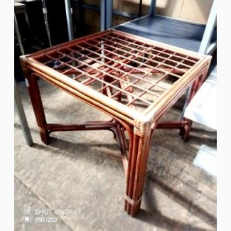 Столы б/у из лозы под стекло