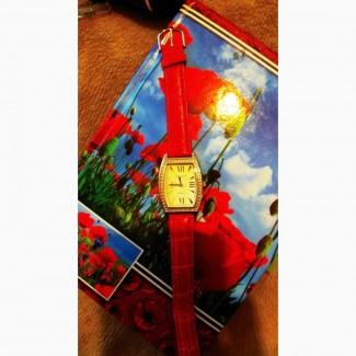 Стильные кварцевые часы Oriflame Орифлейм с красным ремешком