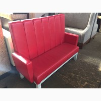 Красивые красные диваны б/у для кафе