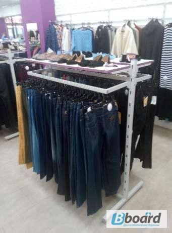 Торгове обладнання б у (торгові меблі та стелажі) для магазину одягу 7456ec876e1bc
