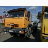 Седельный тягач 6х6 с фаркопом и лебедкой на базе КамАЗ-65111