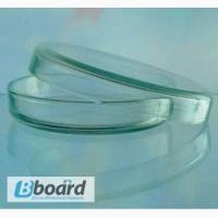 Чашки Петри из стекла, имеют диаметр порядка 50-100 мм и высоту около 15 мм