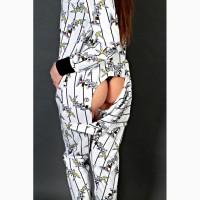 Уютная пижама-комбинезон с вырезом на попе
