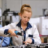 Работа на заводе электродеталей в Словакии