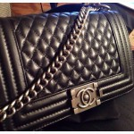 Легендарная сумка Chanel Boy. Сумочка Шанель опт розница с лого Шанель код42365