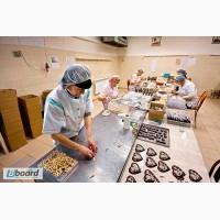 Работники на упаковку конфет, Польша