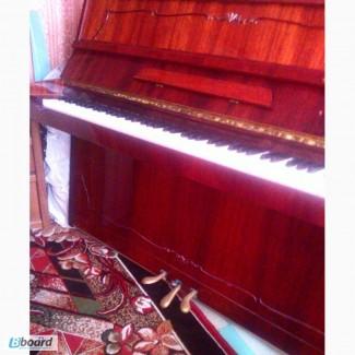 Продам пианино Полесье