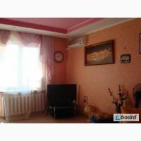 Купите эту просторную 2-х комнатную квартиру на среднем этаже по Днепропетровской дороге