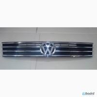 Решетка радиатора Volkswagen Touareg 2015г