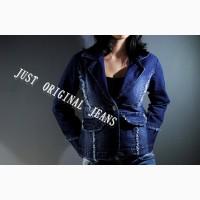 Стильный и элегантный женский джинсовый пиджак