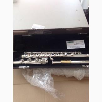 Срочно продам полностью серебряную флейту Gemeinhardt с коленом си