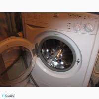 Срочно продам узкую (33см) стиральную машину Indesit