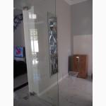 Межкомнатные двери из стекла безрамные с полированной кромкой
