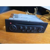 Б/у автомагнитола CD/Radio 8200256141 Renault, Рено