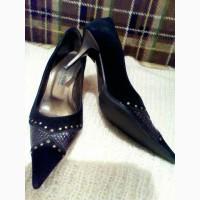 Продам стильные замшевые туфельки VERO CUOIO р.36