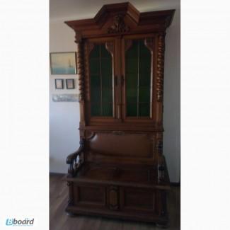 Старинный шкаф-буфет