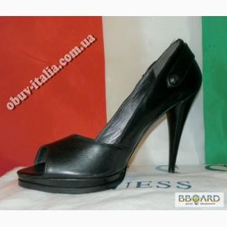 Туфли кожаные женские фирмы Guess оригинал Италия