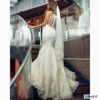 Продам свадебное платье со шлейфом (рыбка)