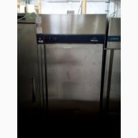 Холодильный б/у шкаф электролюкс для профессиональной кухни