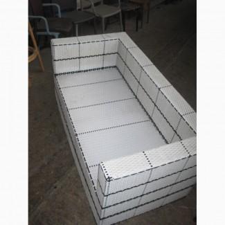 Продам белый б/у диван из искусственного ротанга