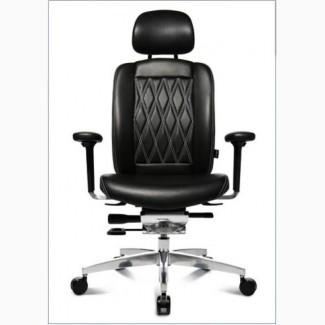 Кресло руководителя немецкой компании WAGNER AluMedic Limited S Comfort V60 в черной коже