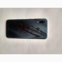 Продам Samsung A30 32gb Black в хорошем состояние с адаптыром и usb
