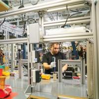 Поверенная работа на заводах и складах в Чехии