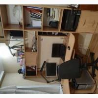 Продам письменный стол с полками