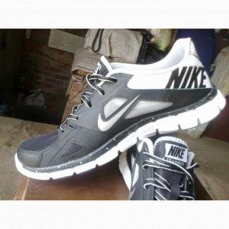 Продам летние кроссовки Nike