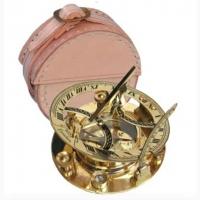Бронзовый компас c солнечными часами в кожаном чехле