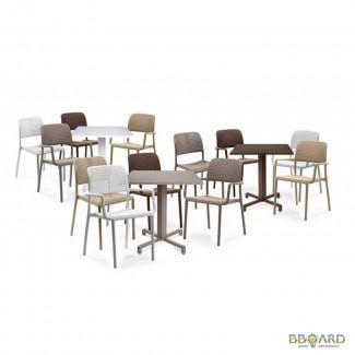 Пластиковая мебель для кафе