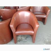 Продам коричневые мягкие кресла бу