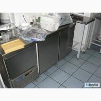 Двухдверный холодильный стол б/у (Италия) для кафе.
