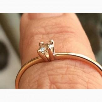 Колечко с бриллиантом 0.12 карата