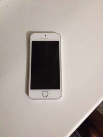 Продам iPhone 5s 16 gb silver. + чехол. Звони, пиши